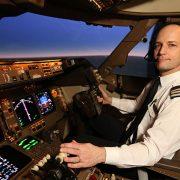 خلبان هواپیمایی